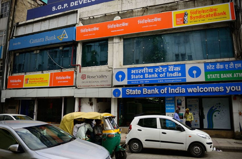 India banks face rising levels of bad debt, loans
